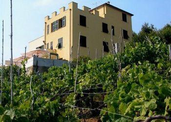Via Montello 387/c,, 19017 Volastra, Hotel Luna Di Marzo***