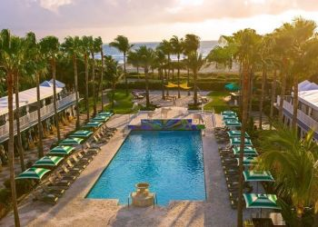 Hotel Miami Beach, 1717 Collins Avenue, Hotel Doubletree Surfcomber****