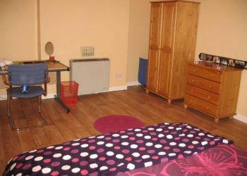 House Ormeau, Fitzroy Avenue, W.: I have a room