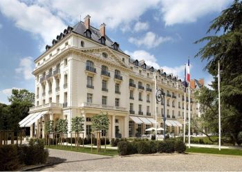 1 Boulevard De La Reine, 78000 Versailles, Hotel Trianon Palace****