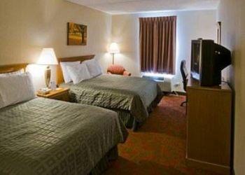 Hotel Hendersonville, 150 Sugarloaf Rd, Ramada Hendersonville