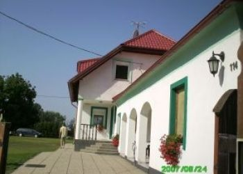Sérfenyő utca 114, 9226 Dunasziget, Ambrus Panzió