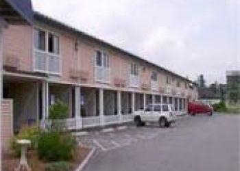 Hotel Bangor, 570 Main Street, Fireside Inn & Suites