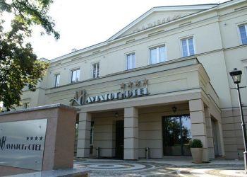 Malczewskiego 18, 26-600  Radom, Hotel Aviator ****