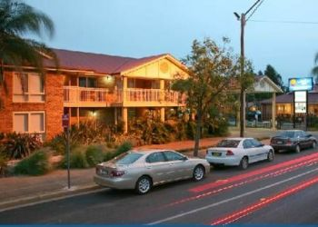 79-85 Cobra St., , Geurie, Comfort Inn Blue Lagoon