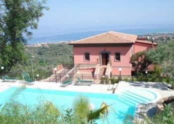 C/da Orecchiazzi Snc, 98076 Sant'Agata di Militello, Hotel Red Sant'Elia