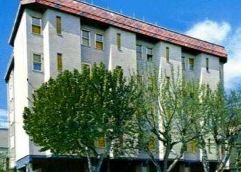 Hotel Santa Giustina, Piazzale C. Battisti N°22, Hostel Napoleon