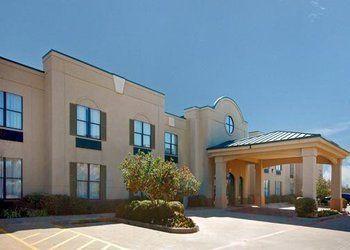 Hotel Texas, 2900 North US Highway 75, Comfort Suites Sherman