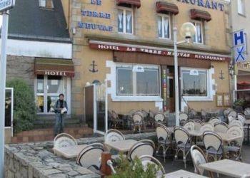 16 Quai Duguay Trouin, 22500 Paimpol, Hotel Restaurant Le Terre Neuvas
