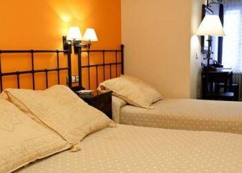 Hotel Bielsa, Calvario, Hostal Vidaller