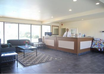 Hotel Niagara Falls, 5334 Kitchener St, Hotel Red Carpet Inn & Suites Fallsway*