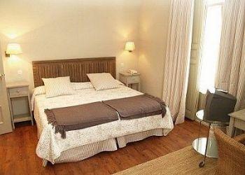 C/ Guardas, 2, 40100 La Granja de San Ildefonso, Hotel Roma