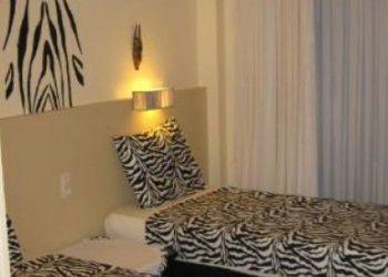 Hotel Zonnebeke, Menenstraat 55-73, B&B  The protea