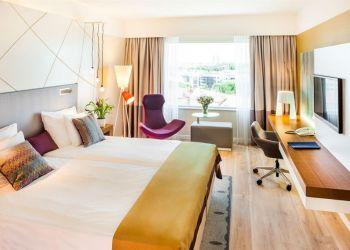 Hotel Tallinn, Ravala Street 3, Hotel Radisson Blu Tallinn****