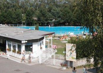 Wohnung Milovice U Hořic, Milovice 46, Skvěle vybavený Autocamp Milovice s bazénem, hrami pro všechny a animačními programy
