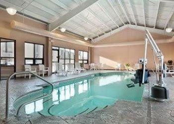 Hotel East Orrington, 250 ODLIN RD, BANGOR, 04401, Days Inn