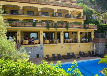 Hotel Taormina, Via Leonardo Da Vinci, 71E, Hotel Villa Angela