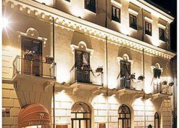24 Via Giovanni Amendola, 91011 Alcamo, Hotel Centrale***