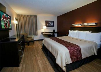 Hostel Saugus, 920 Broadway,, Hostel Red Roof Inn Boston/Saugus**