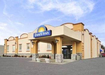 Hotel Vista Heights, 260 Queen St. E., Days Inn Brampton