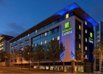 Hotel Newcastle-upon-Tyne, Waterloo Square St James Boulevard, Hotel Express By Holiday Inn Newcastle City Center***