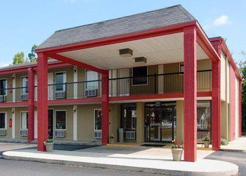 444 N Daleville Ave, Daleville, Econo Lodge Inn & Suites