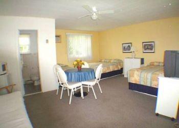 Hotel Sainte-Anne-de-Beaupré, 9548 Boulevard Sainte-Anne, Motel Central