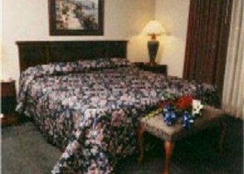 2615 Airview Blvd, Michigan, Days Inn & Suites Kalamazoo