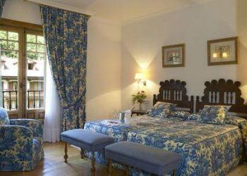 Carretera Potes-Espinama, 39539 Reocín, Hotel Oso Pardo del