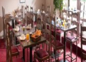 Hotel Ars-sur-Formans, 146 Rue De La Sous Prefecture, , Kyriad Villefranche Sur Saone