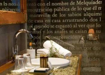 Hotel Lanuza, Troniecho, Hotel La Casueña
