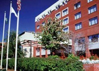 Hotel Longwood Station, 1200 BEACON STREET, BROOKLINE, Boston 02446, MA United States, Holiday Inn Brookline