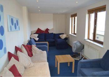 5 bedroom apartment Dublin City Centre, Brunswick Court, Roberto: I have a room