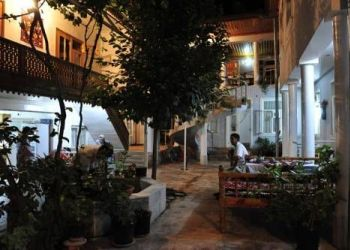 Hotel Samarkand, Oqsaroy Street 150, Hotel Dilshoda