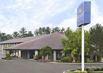 12819 State Route 664 S, 43138 Logan, Hotel Baymont Inn & Suites Logan, OH**