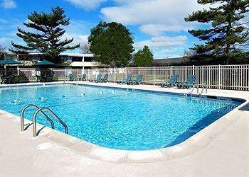 147 N. DUPONT HWY., NEW CASTLE, 19720, Penn Acres South, Quality Inn & Suites Skyways