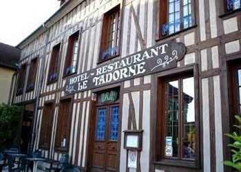 Hotel Piney, 3, Place De La Halle, Hotel Le Tadorne***