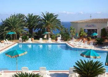 Loc Sas Linnas Siccas, 8028 Orosei, Hotel Le Quattro Lune
