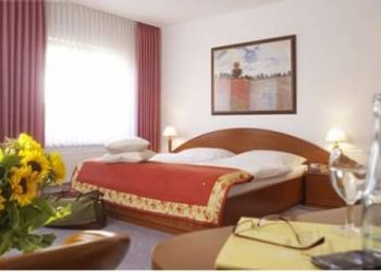 Marienstraße 59, 33142 Büren, Hotel Lenniger