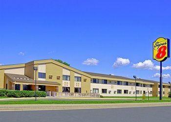 6300 Wayzata Blvd, Minnesota, Super 8 Motel Minneapolis West