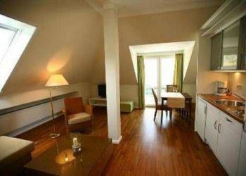 Gartenweg 30, 23730 Sierksdorf, Hotel Seehof