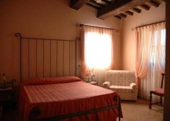 Hotel Deruta, Via della Rocca 2, Hotel L'antico forziere