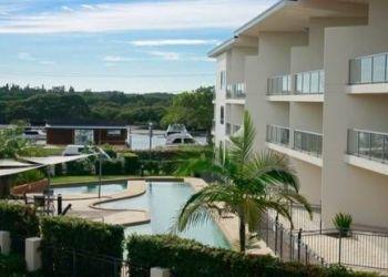 Hotel Hawks Nest, 21-23 MARINE DRIVE, TEA GARDENS, NEW SOUTH WALES 2324, AUSTRALIA, Oaks Boathouse