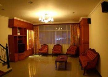 Hotel Padang, Jl. Kampung Sebelah I no. 14D, Brigitte's House