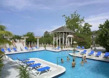 Hotel Negril, Norman Manley Blvd, Hotel Hedonism II***