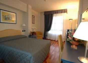 Delle Badie 228, 59100 Prato, Hotel Charme