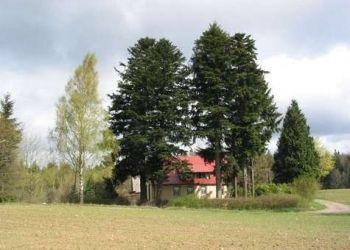 """Nowalczysko 3, 83-340 Sierakowice, Leśniczówka """"Bącka Huta"""""""