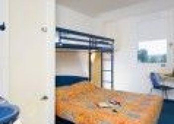 4 Boulevard Henri Barbusse Epi d'Or 78210 ST CYR L'ECOLE FRANCE, Versailles, Hotel - Ile-de-France