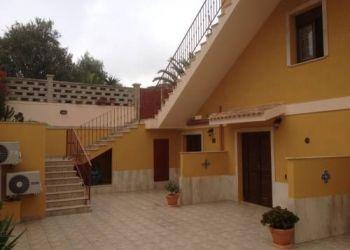 Via Scirocco 1C, 9014 Carloforte, La Casa Gialla