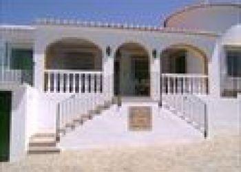 Pso. Costa de la Luz, 29, 7610 Málaga, Villa Miraflores